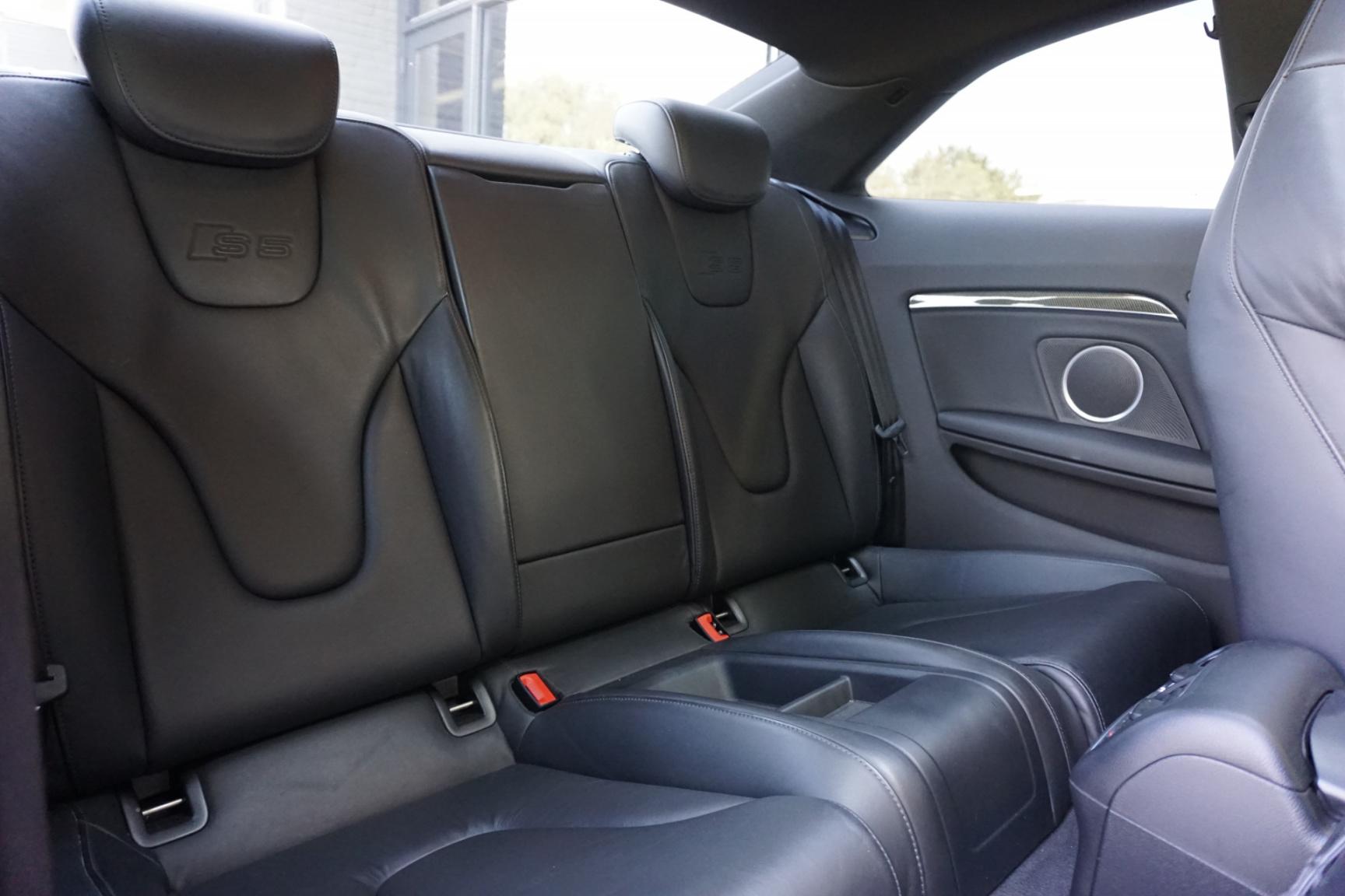Audi-S5-14