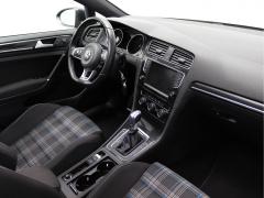 Volkswagen-Golf-2