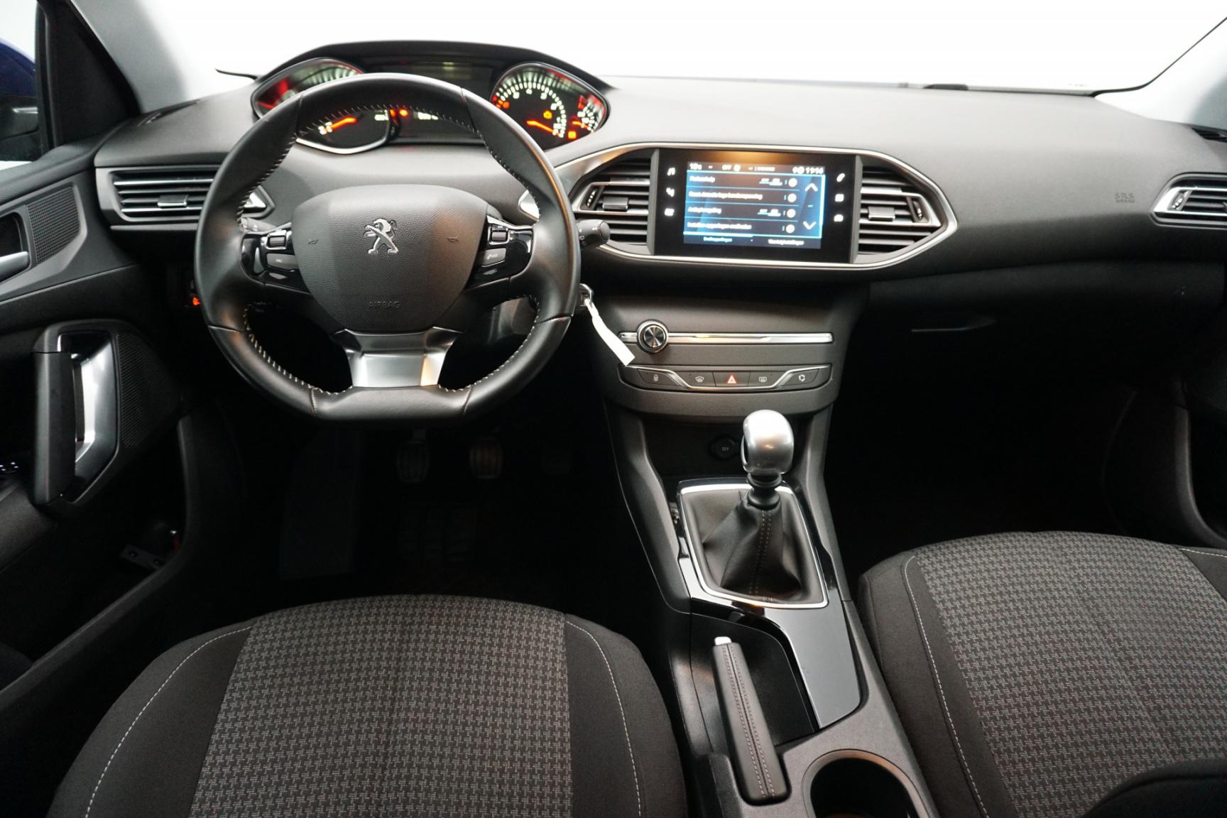 Peugeot-308-12