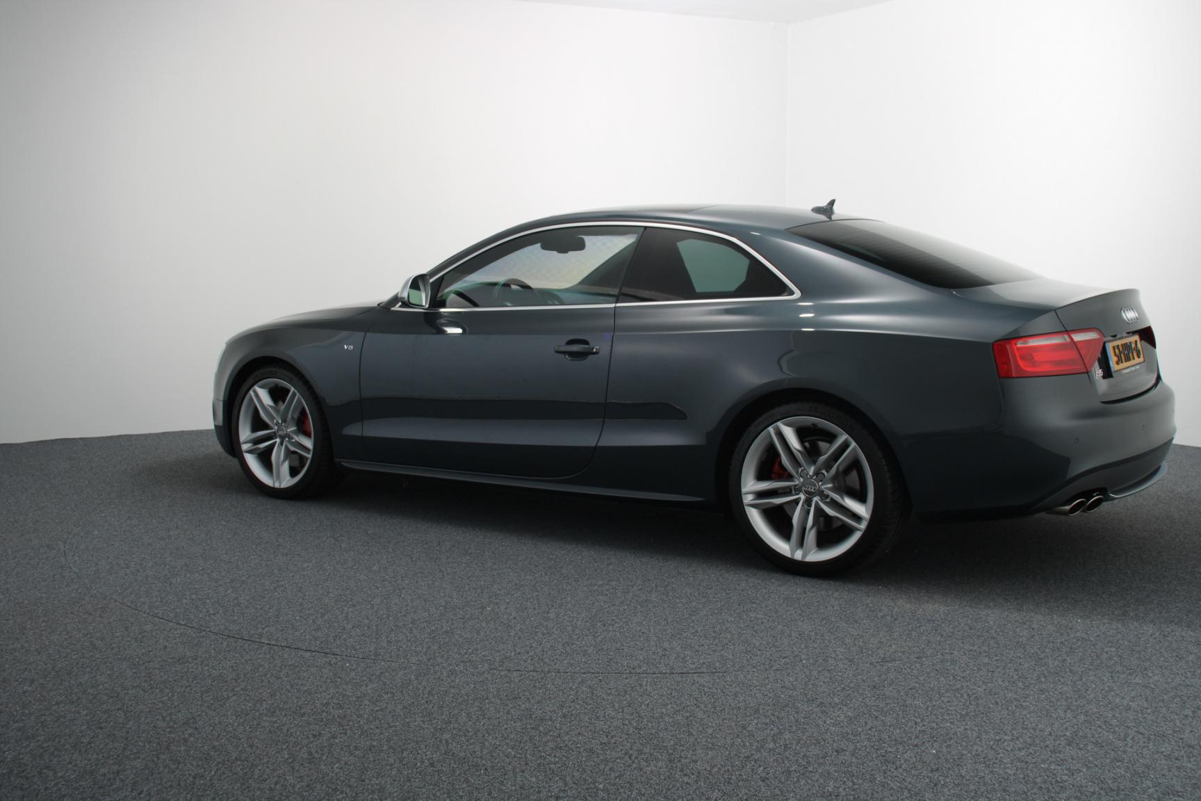 Audi-S5-7